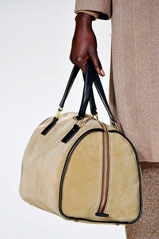 กระเป๋า รองเท้า แฟชั่นสีเบจแบบ Chloe'